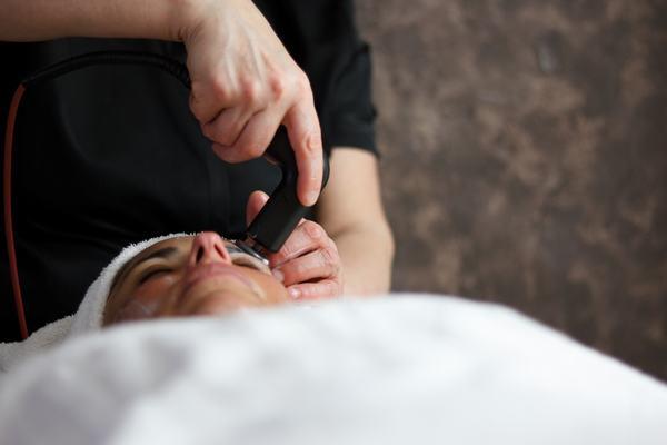 FISIOESTÉTICA - Lifting facial Indiba activ Therapy - Terapia Celular Activa